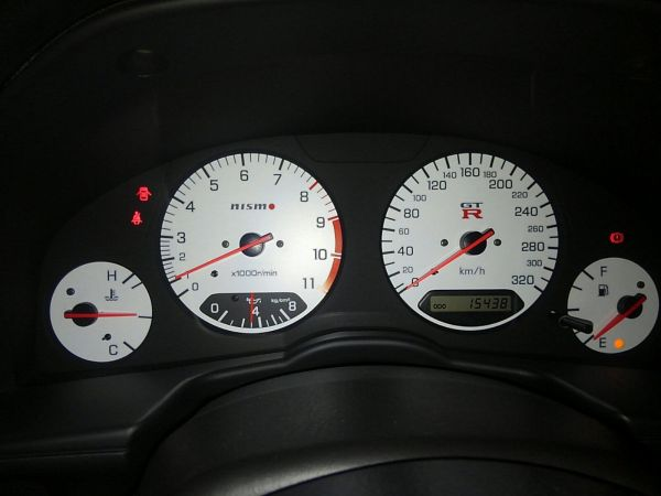 2001 Nissan Skyline R34 GTR NISMO gauges