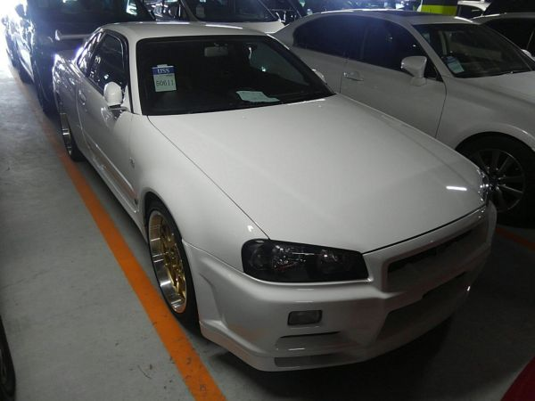 2001 Nissan Skyline R34 GTR right front