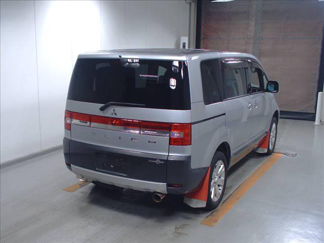 2011 Mitsubishi Delica D5 petrol CV5W 4WD Chamonix auction 4