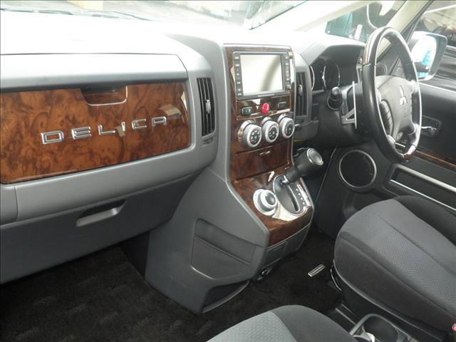 2011 Mitsubishi Delica D5 petrol CV5W 4WD Chamonix auction 5