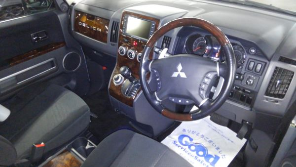 2011 Mitsubishi Delica D5 petrol CV5W 4WD Chamonix interior 2