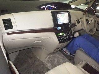2012 Toyota Estima G 4WD 7 seater auction interior