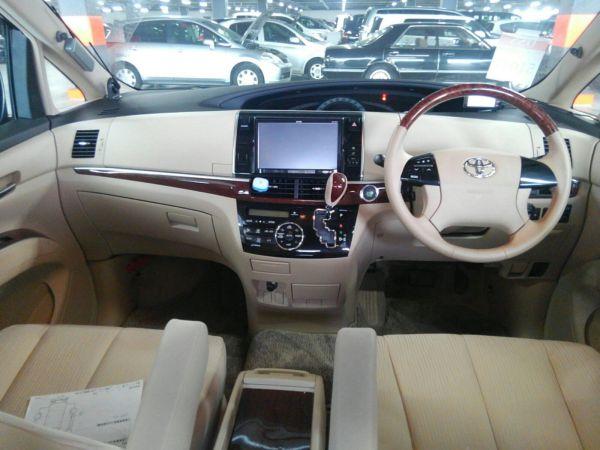 2012 Toyota Estima G 4WD 7 seater interior 2