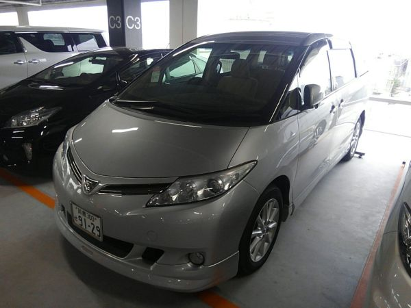 2012 Toyota Estima G 4WD 7 seater left front