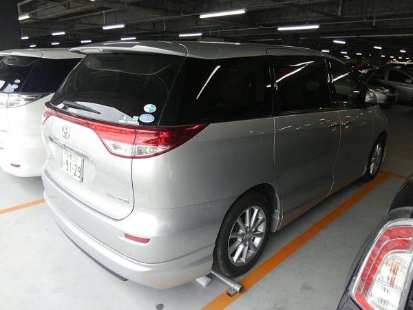2012 Toyota Estima G 4WD 7 seater right rear