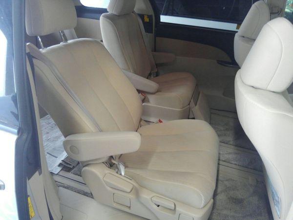 2012 Toyota Estima G 4WD 7 seater seat