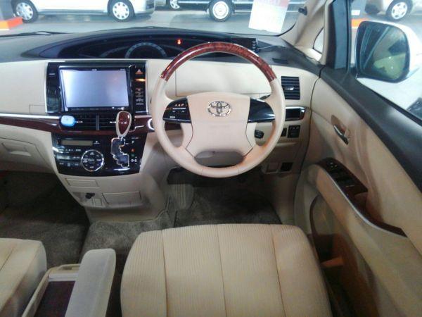 2012 Toyota Estima G 4WD 7 seater steering wheel