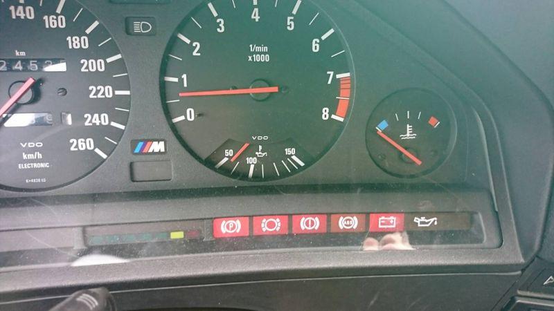 1988 BMW E30 M3 instruments