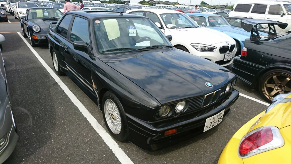 1988 BMW E30 M3 right front