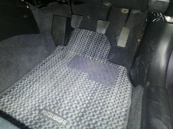 2004 Mitsubishi Lancer EVO 8 MR driver carpet
