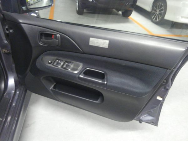 2004 Mitsubishi Lancer EVO 8 MR driver door