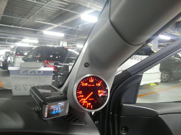 2004 Mitsubishi Lancer EVO 8 MR gauges
