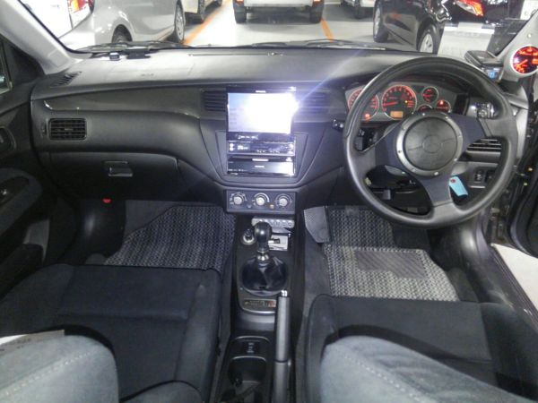 2004 Mitsubishi Lancer EVO 8 MR interior 3