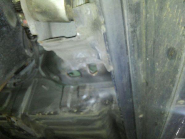 2004 Mitsubishi Lancer EVO 8 MR underbody 11