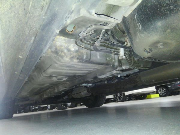 2004 Mitsubishi Lancer EVO 8 MR underbody 8