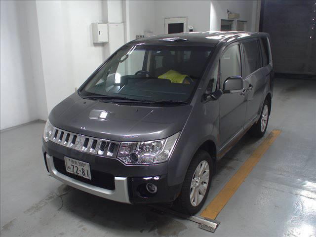 2014 Mitsubishi Delica D5 petrol CV5W 4WD G Power package auction front