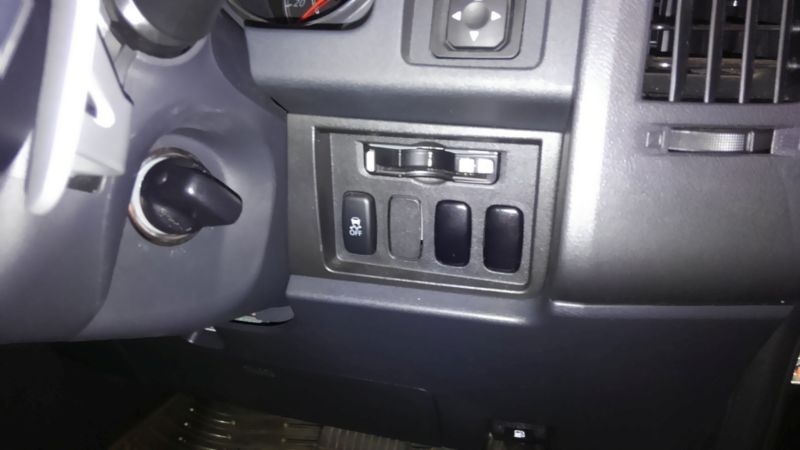 2014 Mitsubishi Delica D5 petrol CV5W 4WD G Power package options buttons