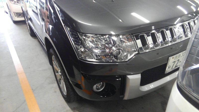 2014 Mitsubishi Delica D5 petrol CV5W 4WD G Power package right headlight
