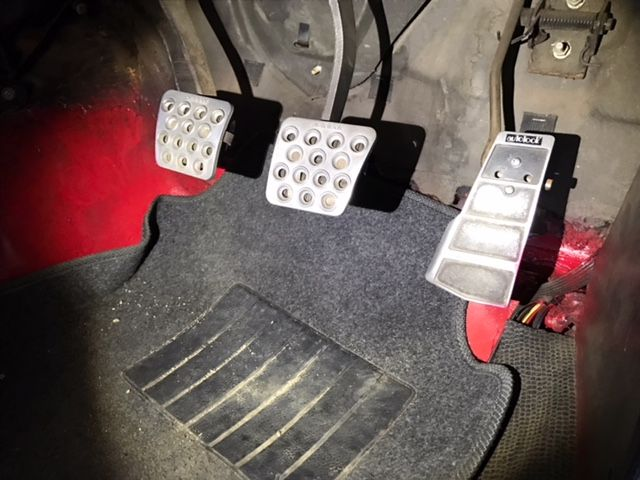 1976 Nissan Skyline GT-X pedals