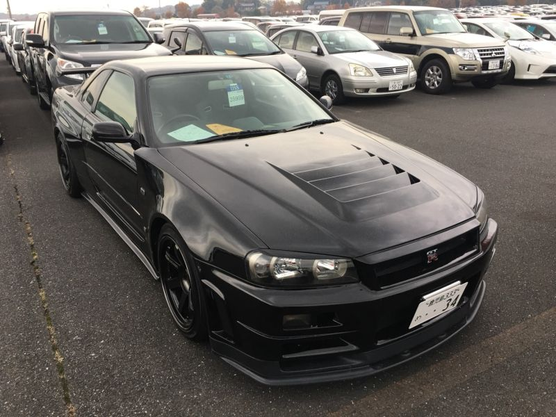 1999 Nissan Skyline R34 GT-R VSpec black right front 2