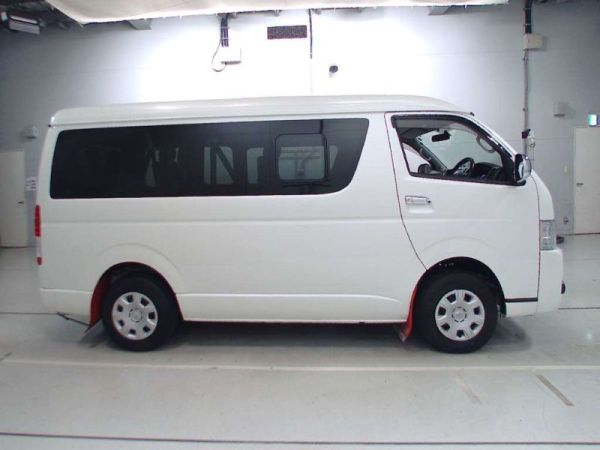 2014 Toyota Hiace GL 4WD TRH219 right side