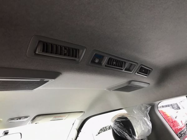 2014 Toyota Hiace GL 4WD TRH219 roof