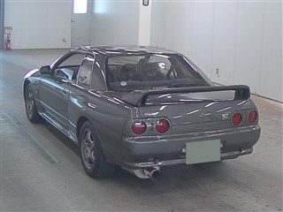 1990 Nissan Skyline R32 GT-R auction rear