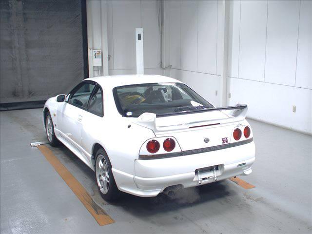 1995 Nissan Skyline R33 GTR VSpec auction left rear