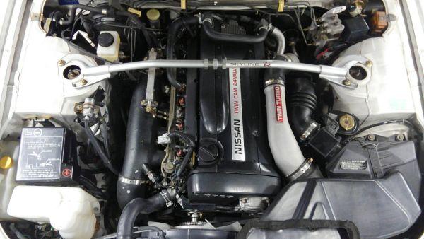 1995 Nissan Skyline R33 GTR VSpec engine