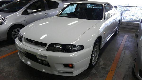 1995 Nissan Skyline R33 GTR VSpec left front