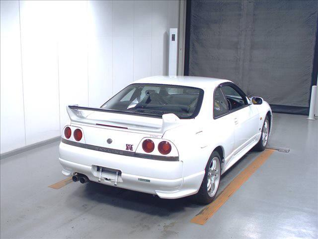 1995 Nissan Skyline R33 GTR VSpec right rear