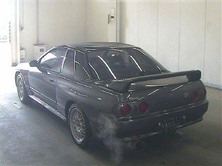 1993 Nissan Skyline R32 GT-R VSpec auction rear