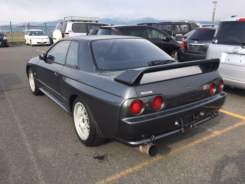 1993 Nissan Skyline R32 GT-R VSpec left rear