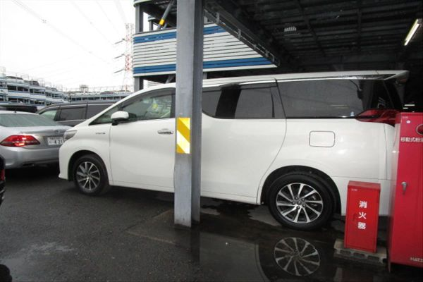 2015 Toyota Alphard Hybrid G Package 4WD 2.5L left side