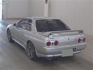 1994 Nissan Skyline R32 GTR VSpec II auction rear