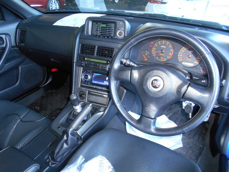 2001 R34 GTR VSpec II Bayside Blue interior 2 a