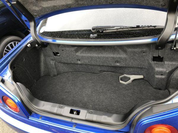 1999 Nissan Skyline R34 GTR VSpec Bayside Blue boot 2