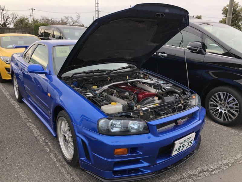 1999 Nissan Skyline R34 GTR VSpec Bayside Blue engine front