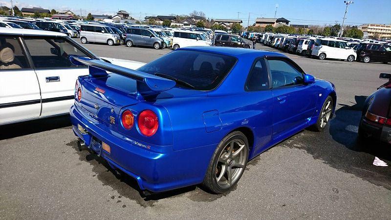 2001 Nissan Skyline R34 GT-R VSpec 2 right rear