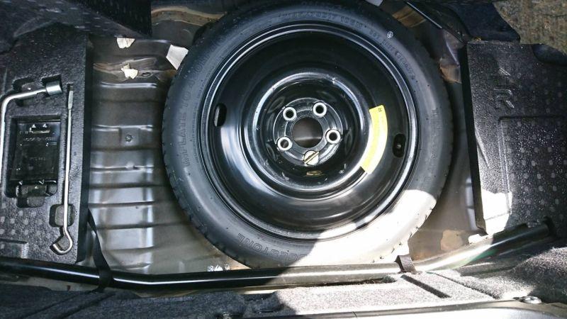 1999 Nissan Skyline R34 GTR VSpec MP2 spare tyre