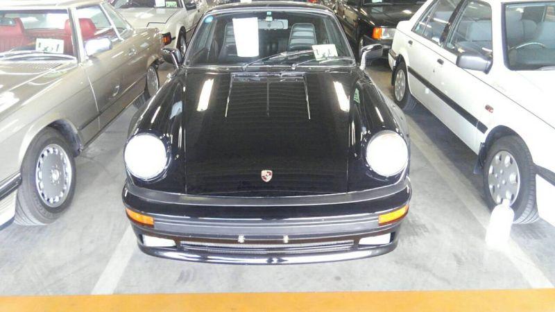 1976 PORSCHE 911 S front
