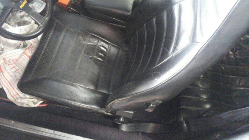 1976 PORSCHE 911 S passenger seat