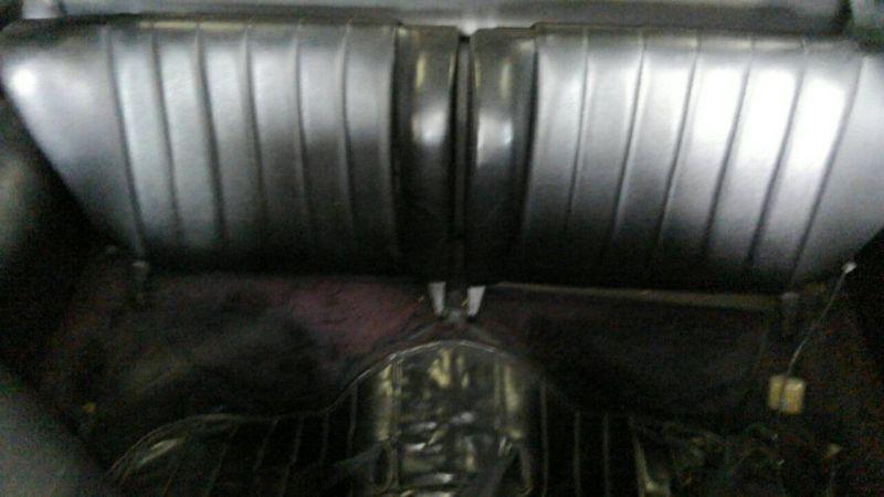 1976 PORSCHE 911 S rear seat