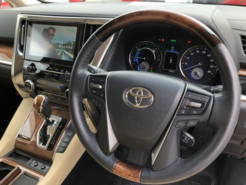 2015 Toyota Alphard Hybrid Executive Lounge steering wheel