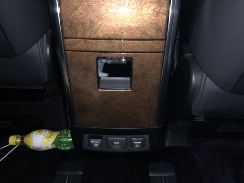 2016 Toyota Alphard Hybrid Executive Lounge rear console