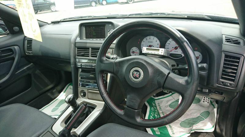 1999 R34 GTR VSpec Midnight Purple II LV4 interior 2