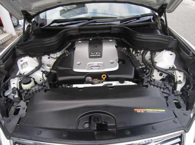 2009 Nissan Skyline Crossover 370GT Premium V6 engine
