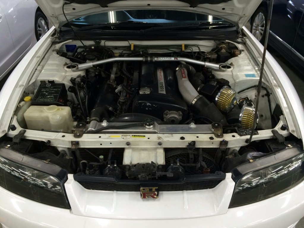 1995 Nissan Skyline R33 GTR VSpec engine bay