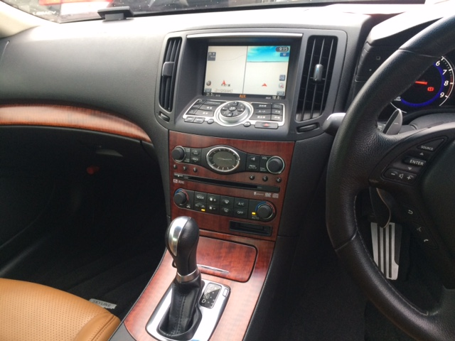 2010 Nissan Skyline V36 coupe TV centre console