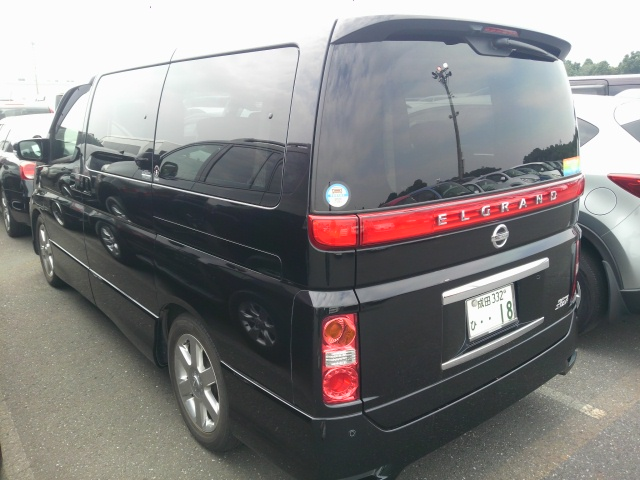 2010 Nissan Elgrand E51 rear